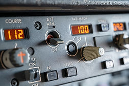 Autothrottle arm switch - Boeing 737.jpg