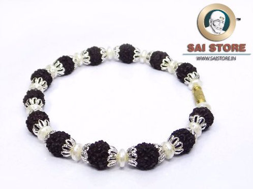 Silver Caps In Flowers Panch Mukhi Rudraksha Bracelet No.50