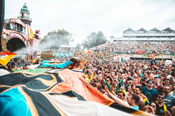 Tomorrowland-17