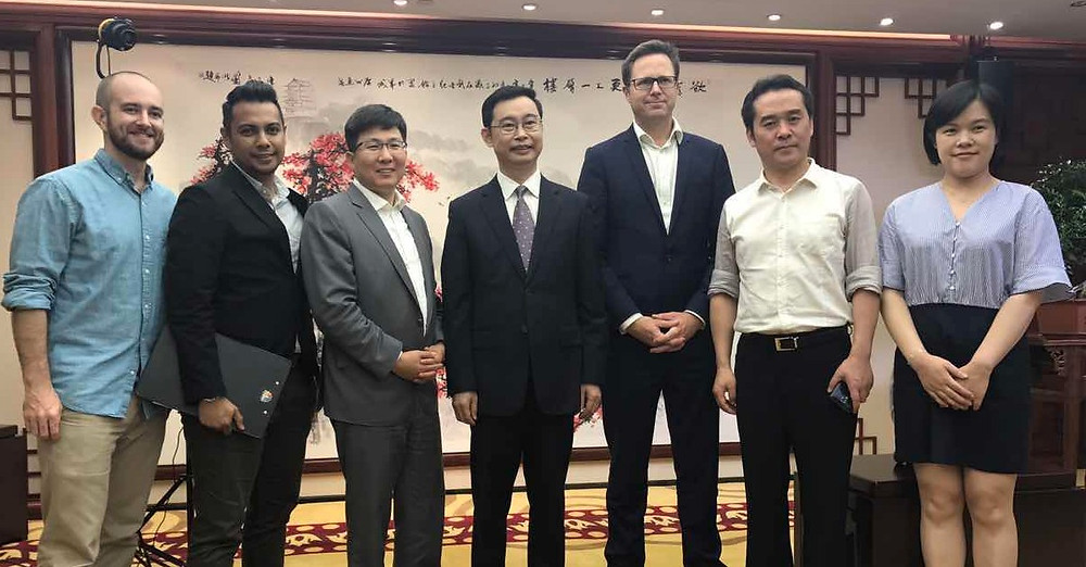 CNBC personnel and mayor wen