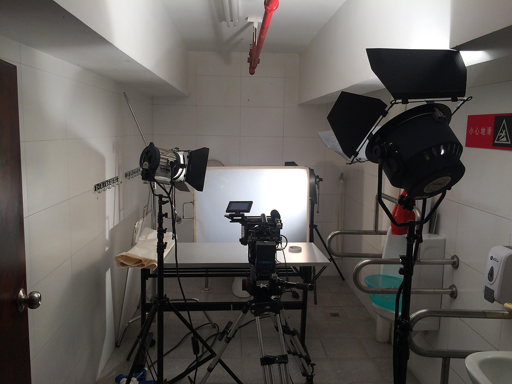 filming ink drops at high speed (in a bathroom)