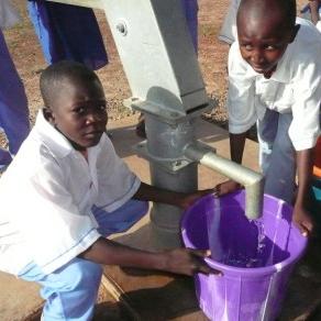 BENENITRA : adduction d'eau