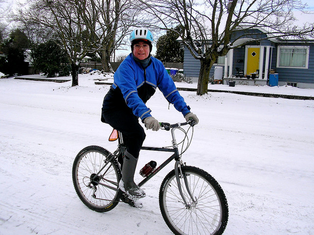 Photo of winter cyclist by Beth H on flickr
