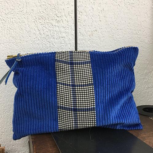 Pochette XL velour bleu électrique