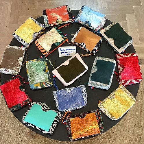 Porte monnaie avec poche en cuir