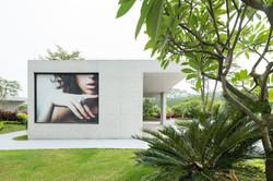 White_Lab_Guanzhou_Garden_Retail_3
