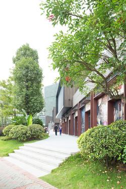 White_Lab_Guanzhou_Garden_Retail_6