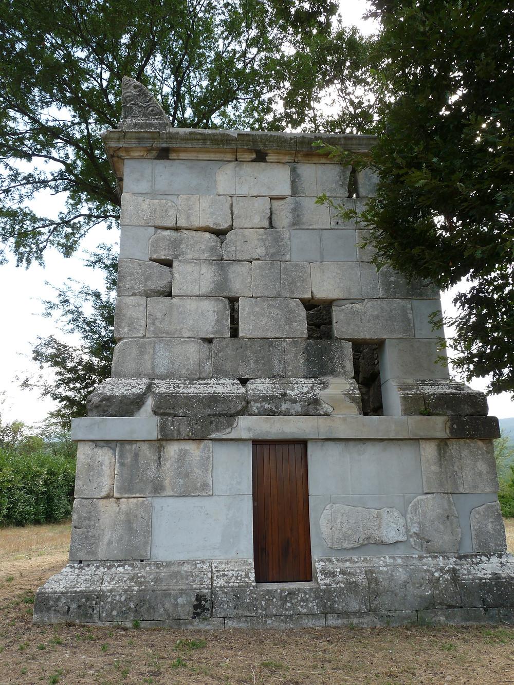 Mausoleo di Publius Numisius Ligus