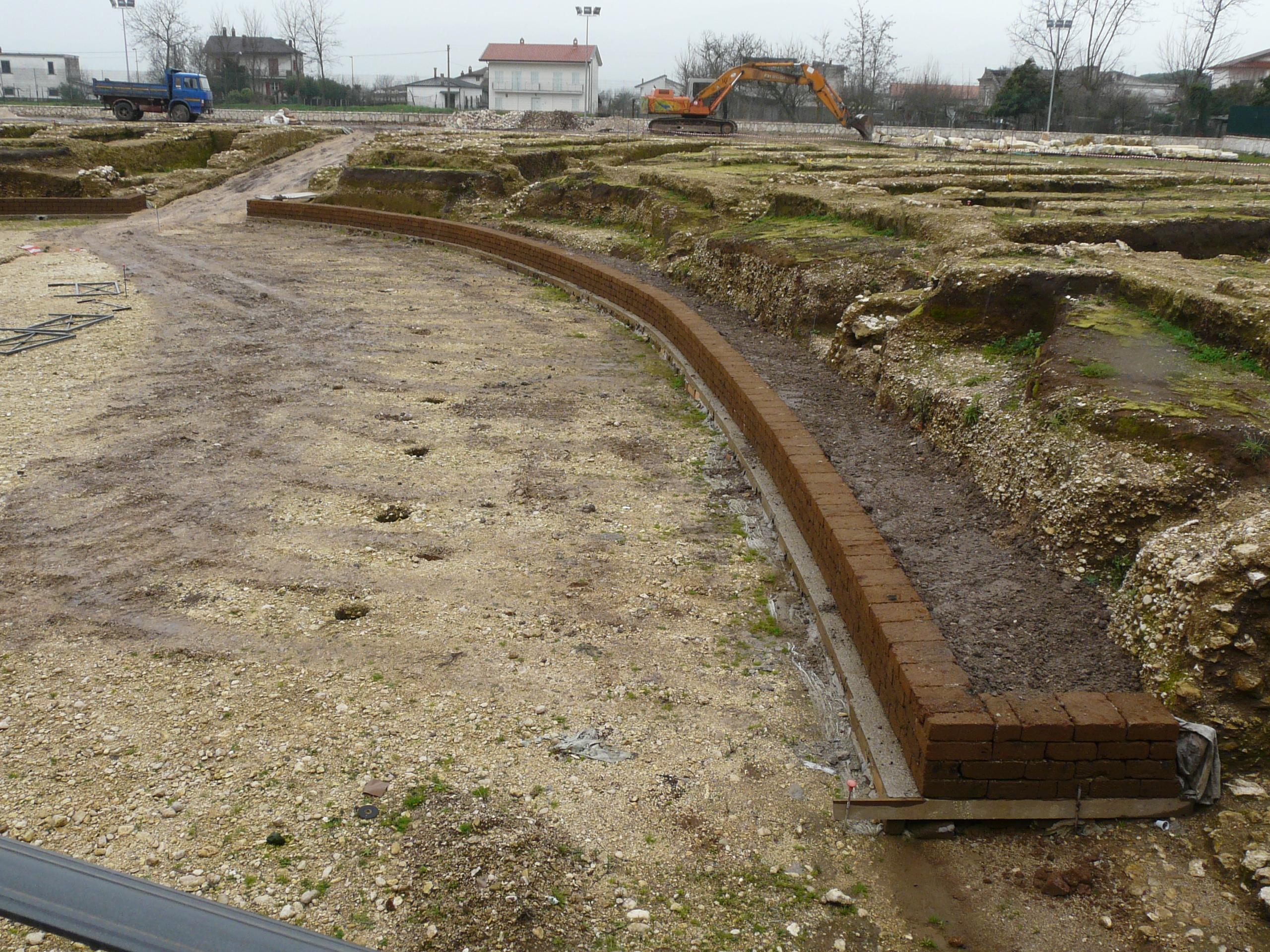 Anfiteatro romano - 09.02.03 (11).JPG