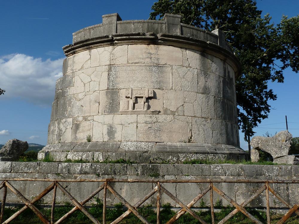 Mausoleo di Caius Ennius Marsus