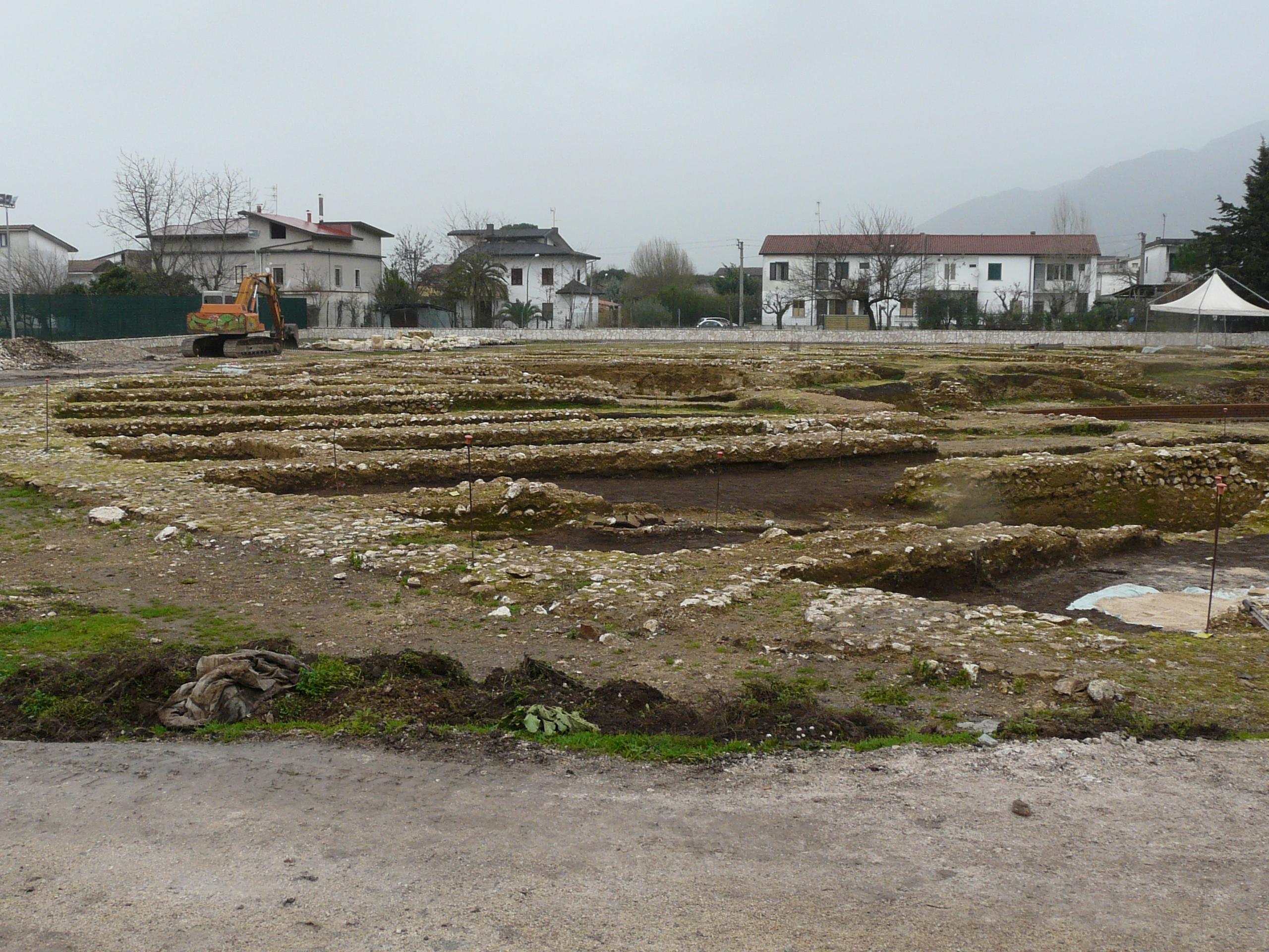 Anfiteatro romano - 09.02.03 (13).JPG