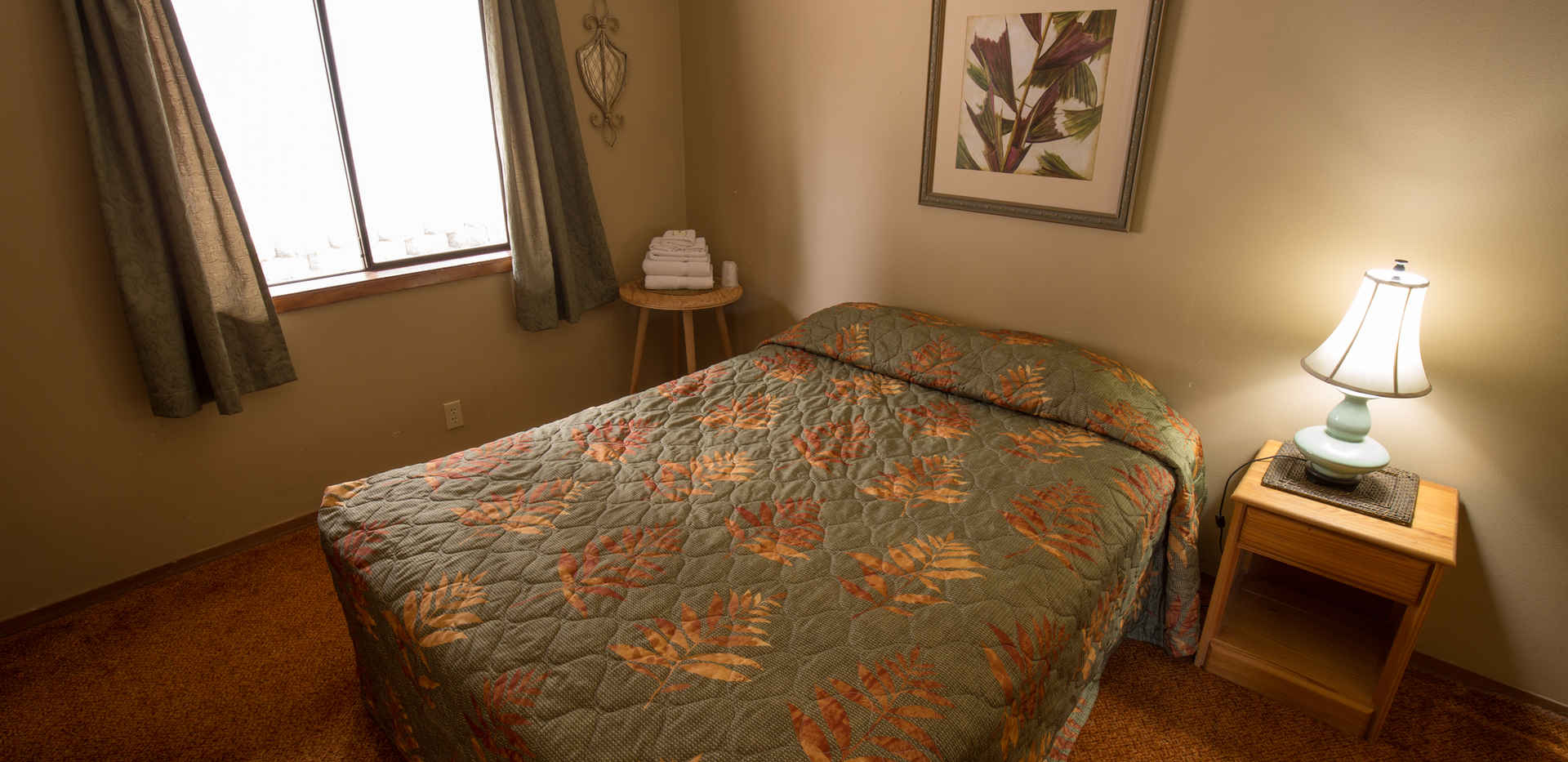 Cottonwood Apartment Bedroom