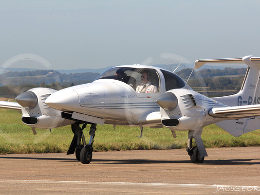 Aeros Academy Cardiff Welcomes First DA42 to Cardiff Airport Base