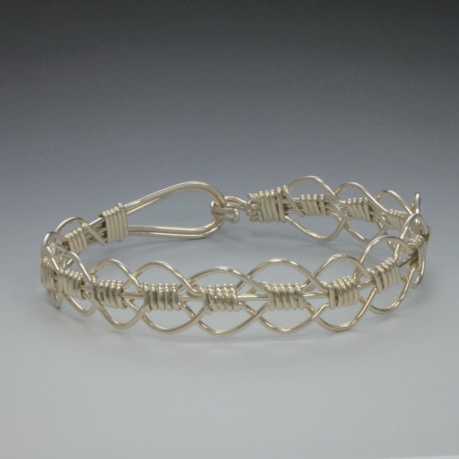 Eye weave bracelet