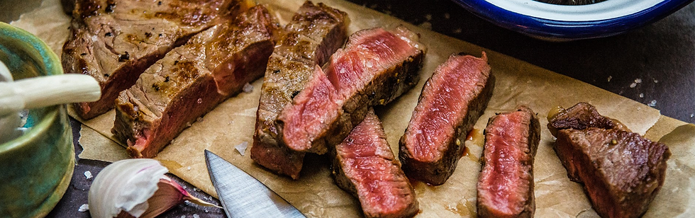 Sirloin steak cooked.png
