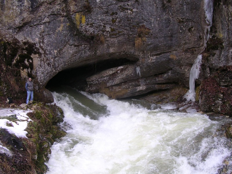 grotte de Prérouge