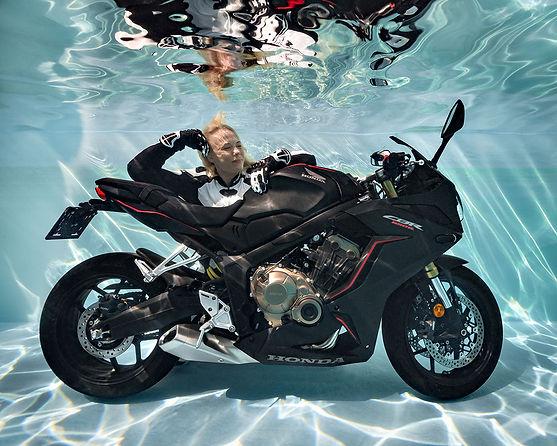 Auch Motorräder können abtauchen!