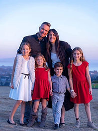 anderson-family-2020-640x960_edited.jpg