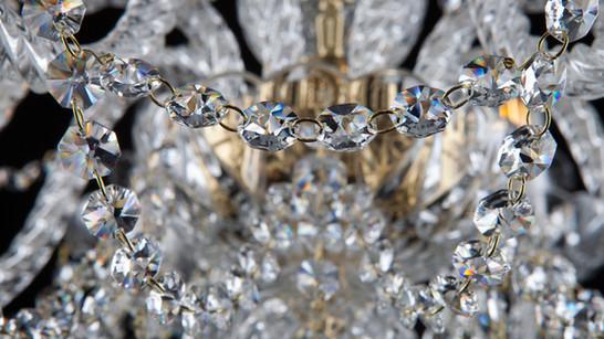 Queen's Jewel L 137/8/02 pb