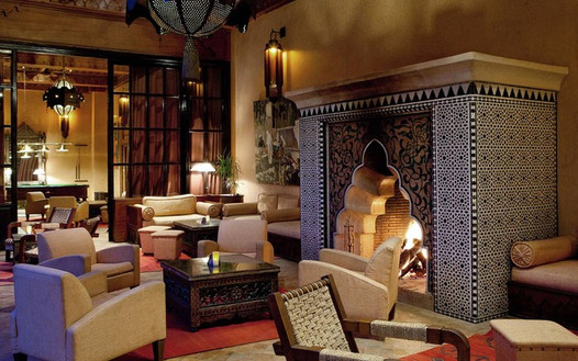 322_moroccan-lounge-with-typical-firepla