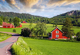 alte-rote-farms-im-sommer-istock_2551262