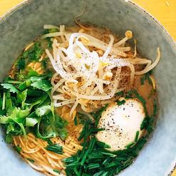Ramen 🍜 tonkotsu aux  légumes_une recet