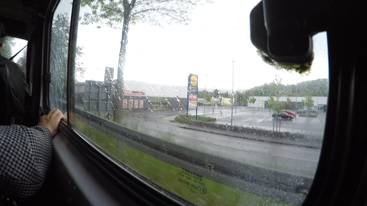 Festsuche bei Regen