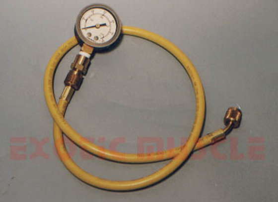 Fuel pressure gauge-removable