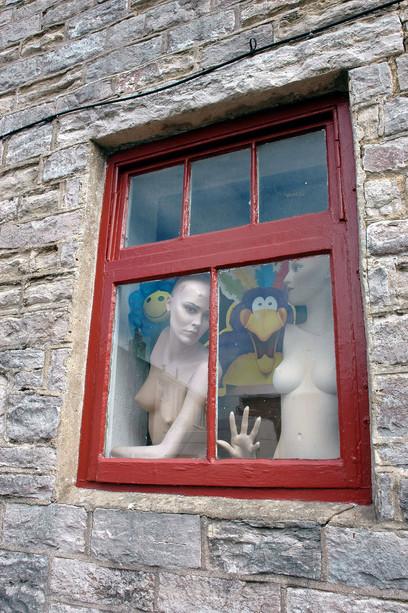 Manekiny w oknie, Swanage, 2007
