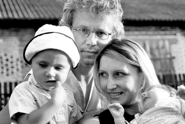 Jola i Piotr z córkami, Idalia i Julia
