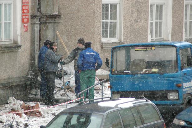 Zima i tradycyjna przerwa, ul. Ratuszowa, Olsztyn, 2005