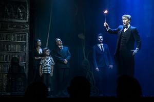 "Teatr Syrena - ""RODZINA ADAMSÓW"""