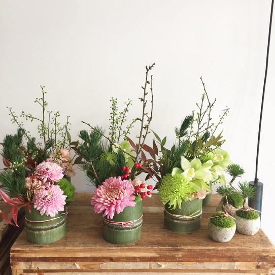 お正月飾り、花束販売いたします