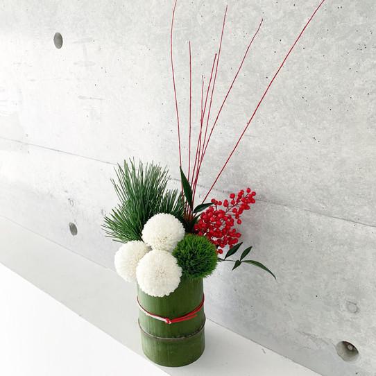 タケノとおはぎ様にてお正月飾りを販売致します。