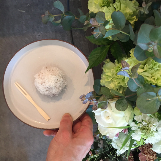 One day flower shop on 5月7日土曜日12:00-18:00 『タケノとおはぎ』 様にて