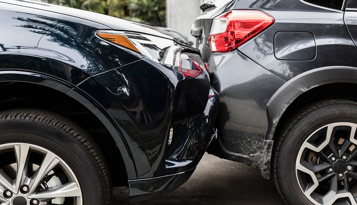 1140-two-cars-in-accident.jpg