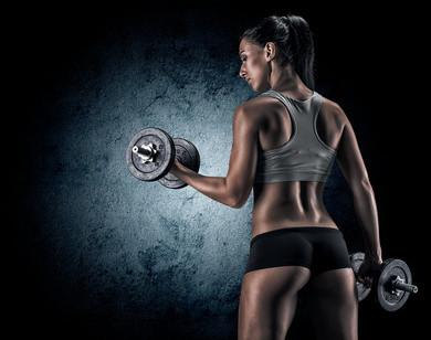 10 Gründe warum Frauen mit Gewichten trainieren sollten