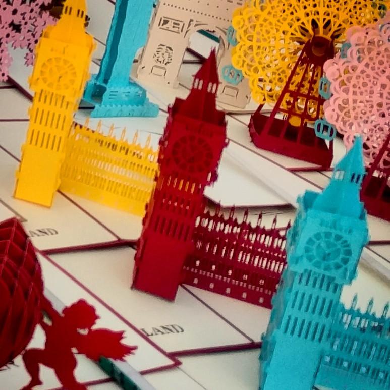 הביג בן הוא פעמון גדול המורה את השעות במגדל השעון של ארמון וסטמינסטר