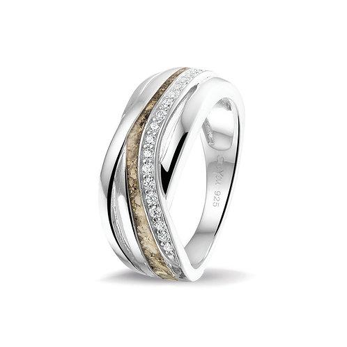 Zilveren ring met zirkonia en as