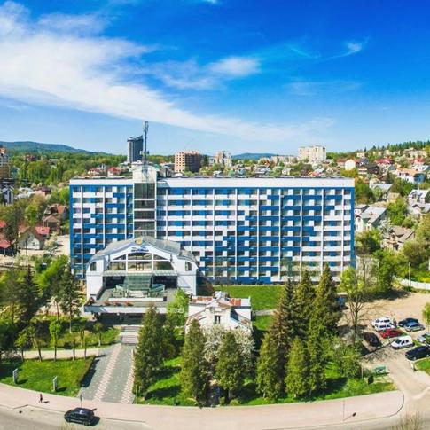 Hotel 365 Truskavets