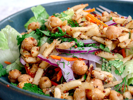 Chickpea & Romain Salad with Balsalmic Dressing
