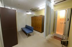 ロッカールーム&シャワー室