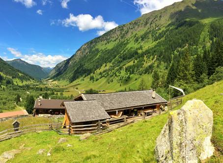 Wir feiern Geburtstag: die Schule der Alm im Valsertal wird heuer fünf Jahre alt