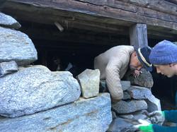 Trockensteinmauerbau