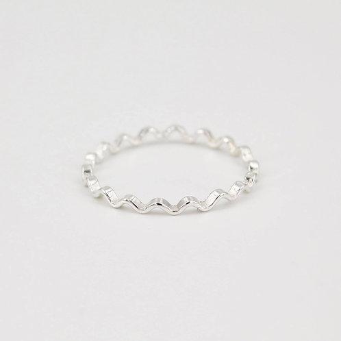 Rippled Line Ring