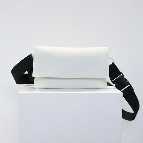 Minimal Crossbody bag - White