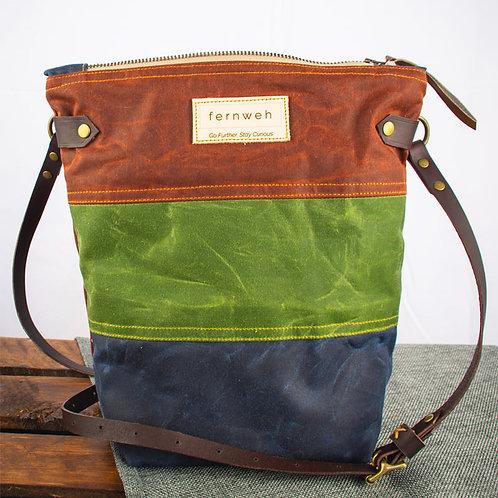 """""""FINNOCH"""" Field Bag - Rust/Green/Navy"""