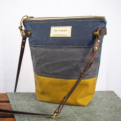 """""""FINNOCH"""" Field Bag - Navy/Grey/Ochre"""