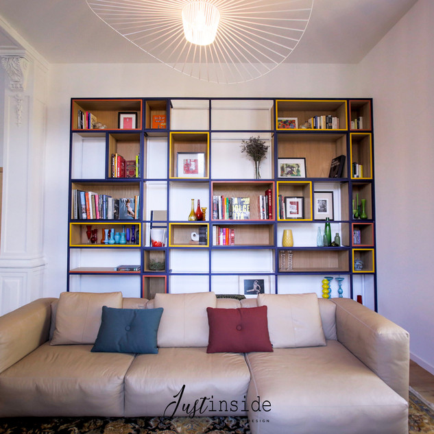 Customized library of the stay