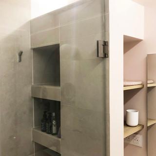 Niches intégrées dans la douche